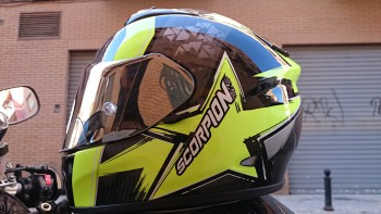 Casco Scorpion Exo 710 Air Spirit. Para uso en carretera